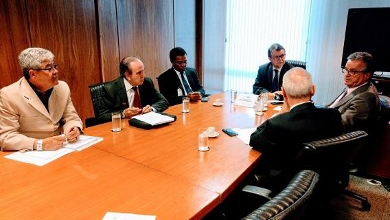 Imagem de Brasília: Portuários participam de reunião para discutir mudança na lei portuária