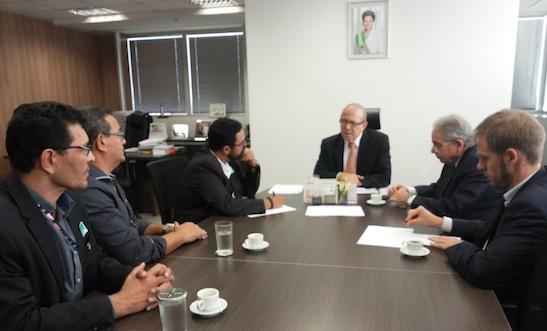Imagem de Aeroportuários discutem campanha salarial e concessões dos aeroportos com ministro do SAC