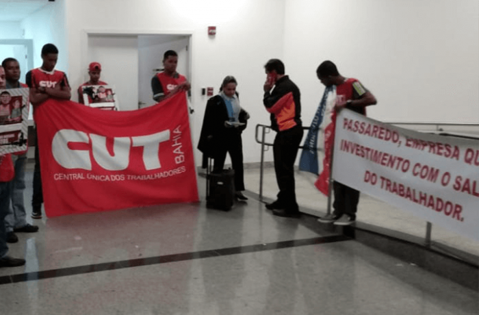Imagem de Bahia: Passaredo atrasa salários e aeroviários param no Aeroporto de Salvador