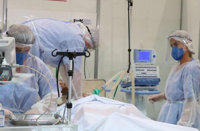 Imagem de Bolsonaro comete crime ao revogar portaria que incluía Covid como doença ocupacional