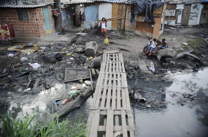 Imagem de Brasil pós-golpe vê renda dos mais ricos subir e dos mais pobres despencar