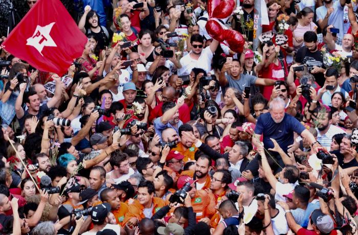 Imagem de Juristas afirmam que Lula pode, sim, ser candidato à Presidência