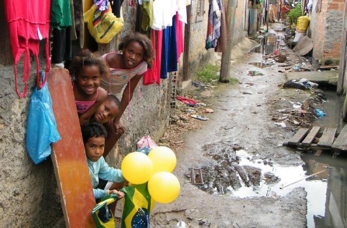 Imagem de Com Temer, pobreza aumenta e atinge 17,3 milhões de crianças e jovens