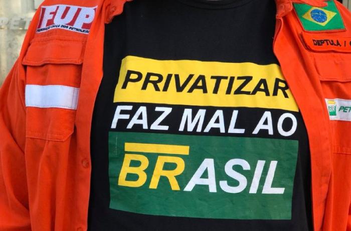 Imagem de CUT-Vox: 60% dos brasileiros são contra a privatização da Petrobras