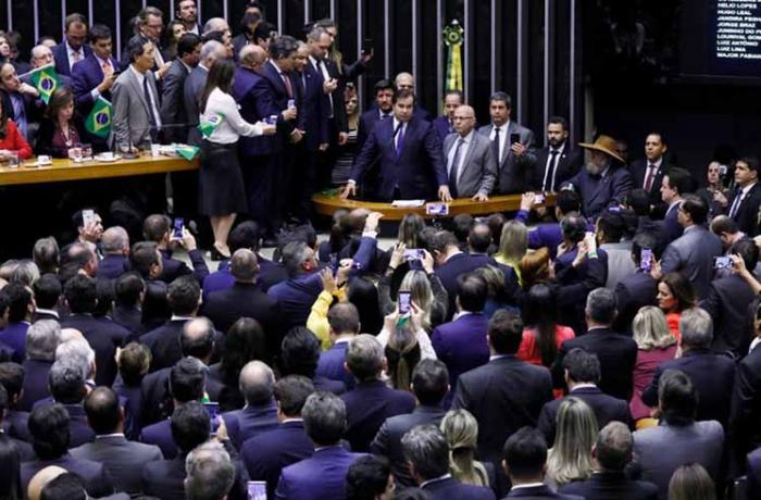 Imagem de Reforma segue para segundo turno na Câmara. Veja quem votou contra o trabalhador