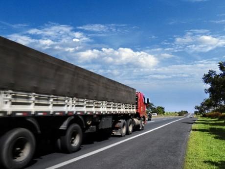 Imagem de Cargas: Governo regulamenta condições de segurança e saúde para descanso de caminhoneiros