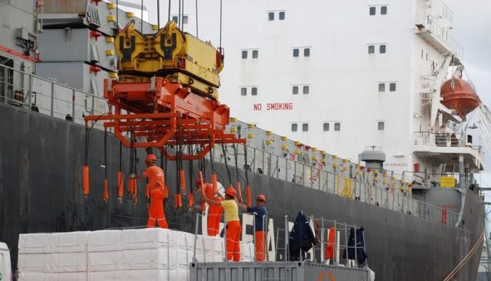 Imagem de Contra descaso dos patrões e do governo golpista, portuários fazem paralisação nacional na quarta (27)