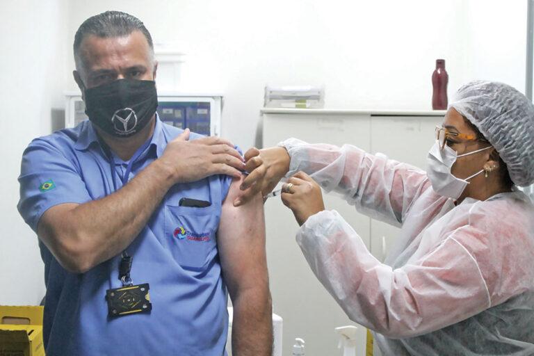 Imagem de Após pressão dos sindicatos, vacinação dos trabalhadores rodoviários avança