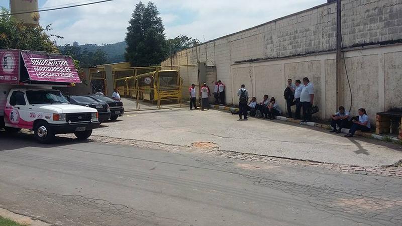 Imagem de Sorocaba: Após pagamento do vale-refeição, rodoviários na Viação São Roque retornam ao trabalho