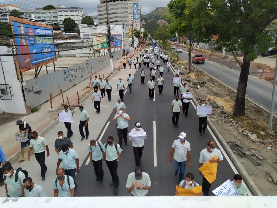 Imagem de Vitória: Com salários atrasados, greve dos Rodoviários na Viação Tabuazeiro completa 15 dias