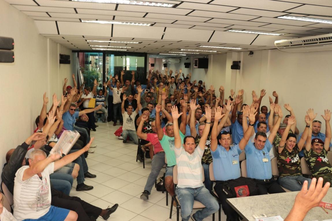 Imagem de Sorocaba: Rodoviários debatem lutas contra retirada de direitos