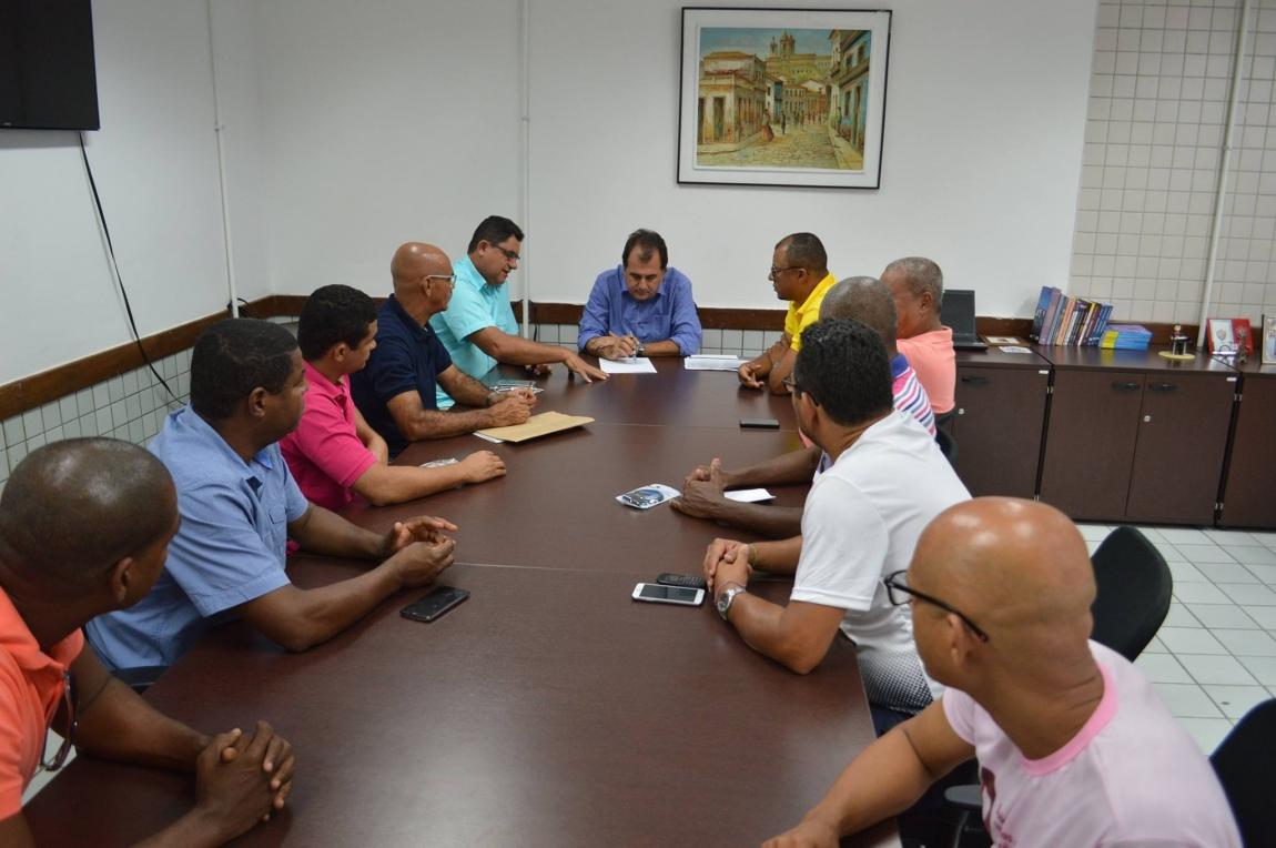 Imagem de Bahia: Rodoviários se reúnem com secretário de transportes para definir gratificação de Carnaval para a categoria