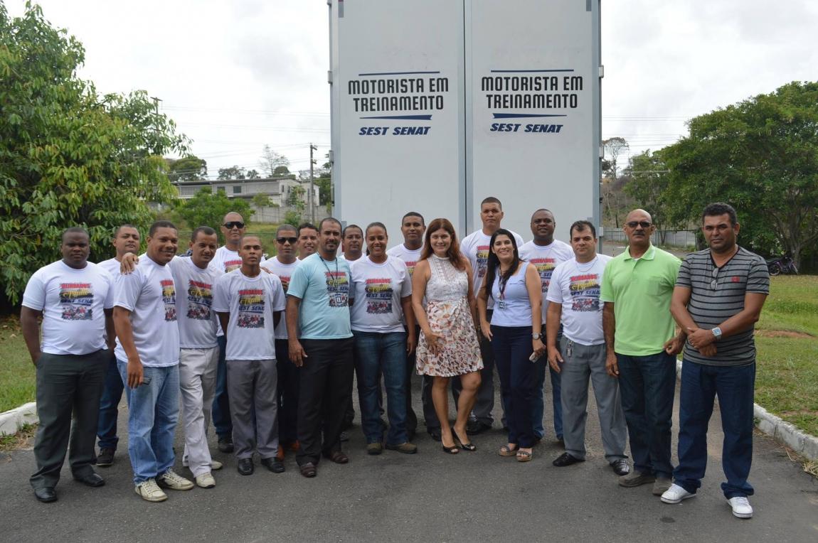 Imagem de Bahia: Rodoviários prestigiam formatura dos alunos da Escola de Motorista Profissional do Sest Senat