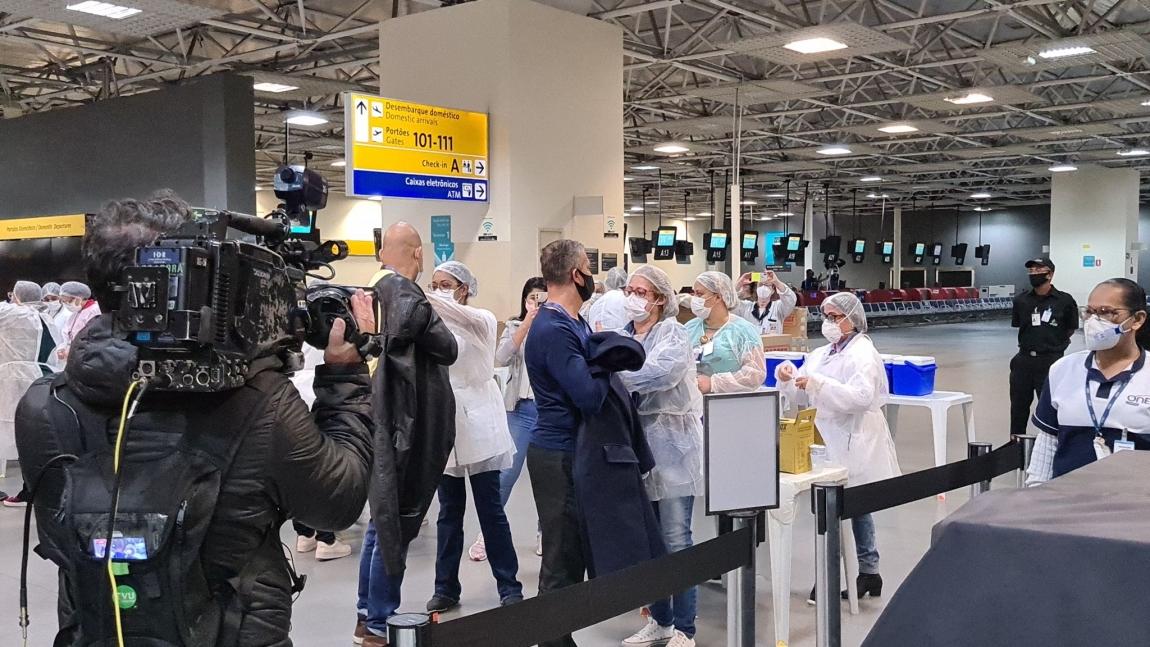 Imagem de Profissionais da aviação começam a ser vacinados contra COVID-19