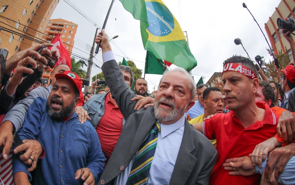 Imagem de #LulaValeaLuta: Em defesa da democracia e de Lula, trabalhadores em transportes e diversas categorias tomam as ruas de Curitiba