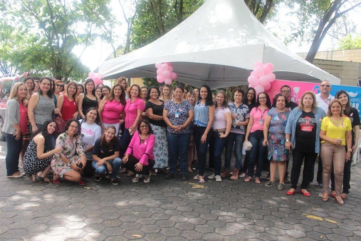 Imagem de Pernambuco: Metroviárias realizam ação de conscientização sobre o câncer de mama