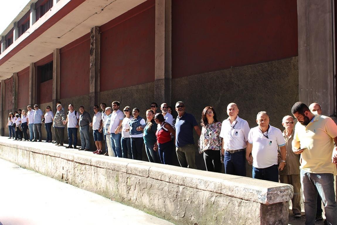Imagem de ES: Abraço simbólico ao Porto de Vitória mostra a força da classe trabalhadora