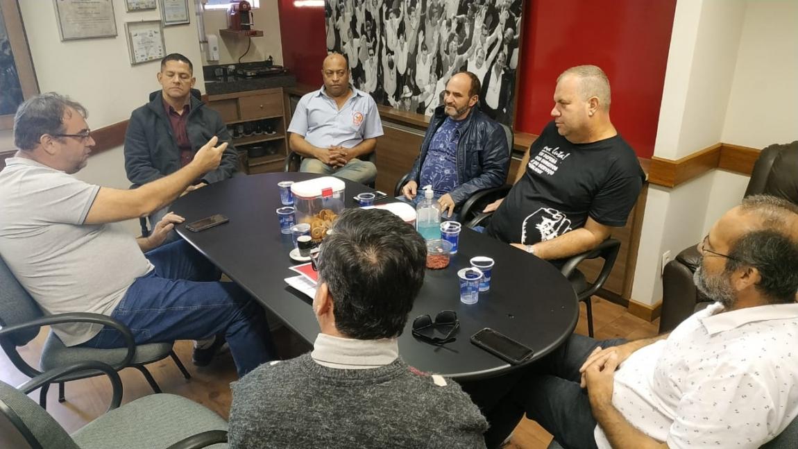 Imagem de Rodoviários de Florianópolis e Blumenau visitam companheiros de Sorocaba para debater lutas