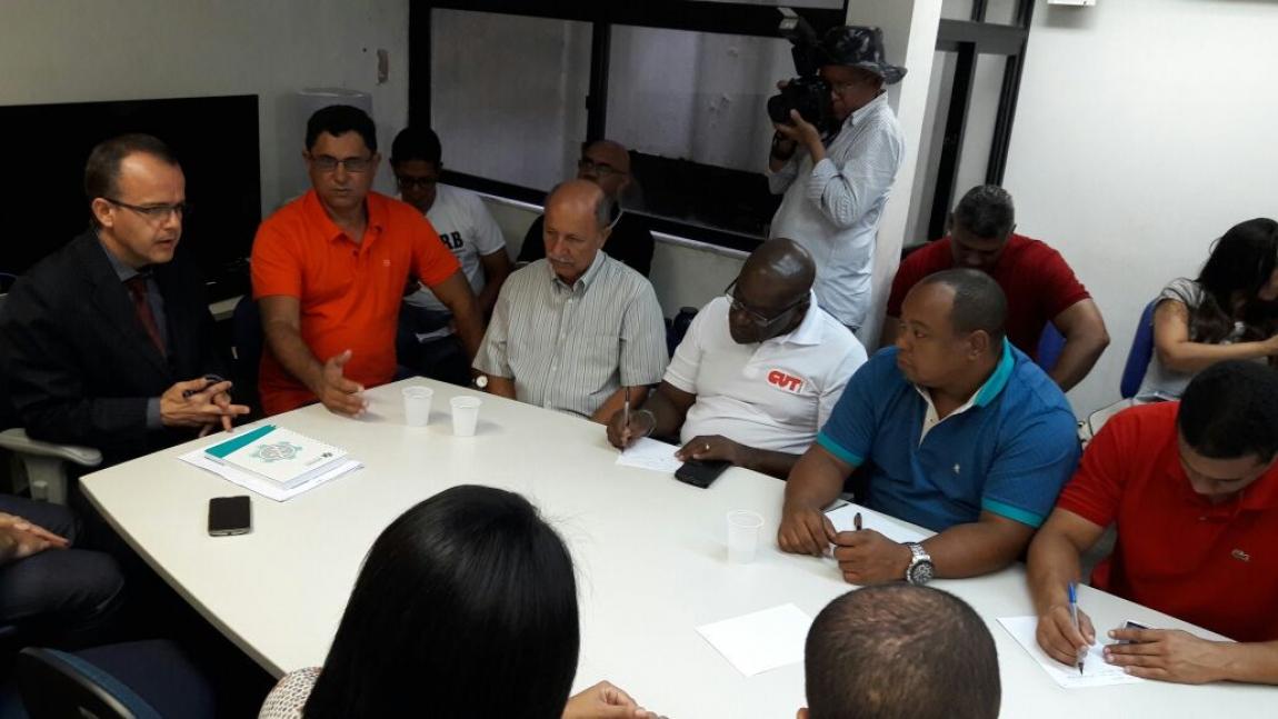 Imagem de Bahia: Audiência de mediação entre rodoviários e patrões não tem acordo