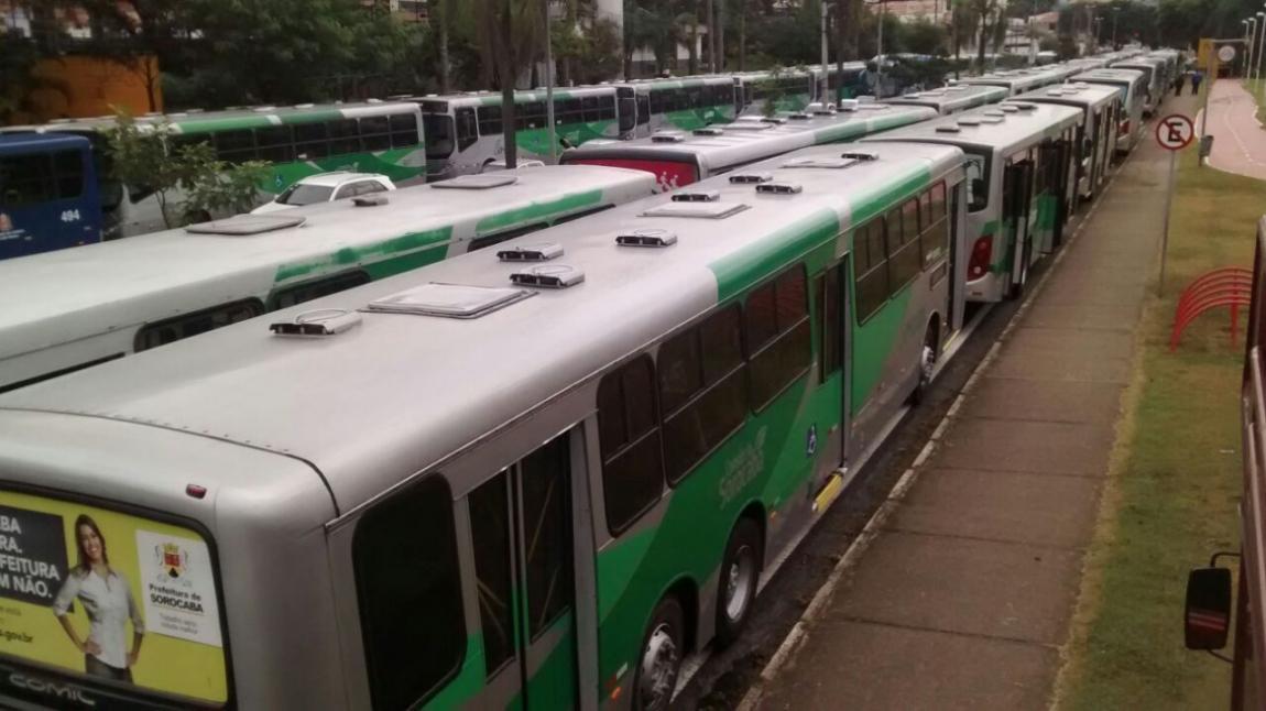 Imagem de #OcupaTudoContraoGolpe: Sorocaba: Rodoviários param avenida Dom Aguirre contra o golpe e em defesa dos direitos