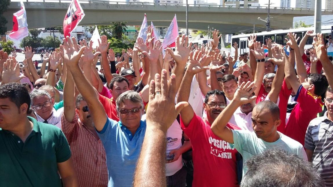 Imagem de Natal: Rodoviários aprovam greve para a próxima semana
