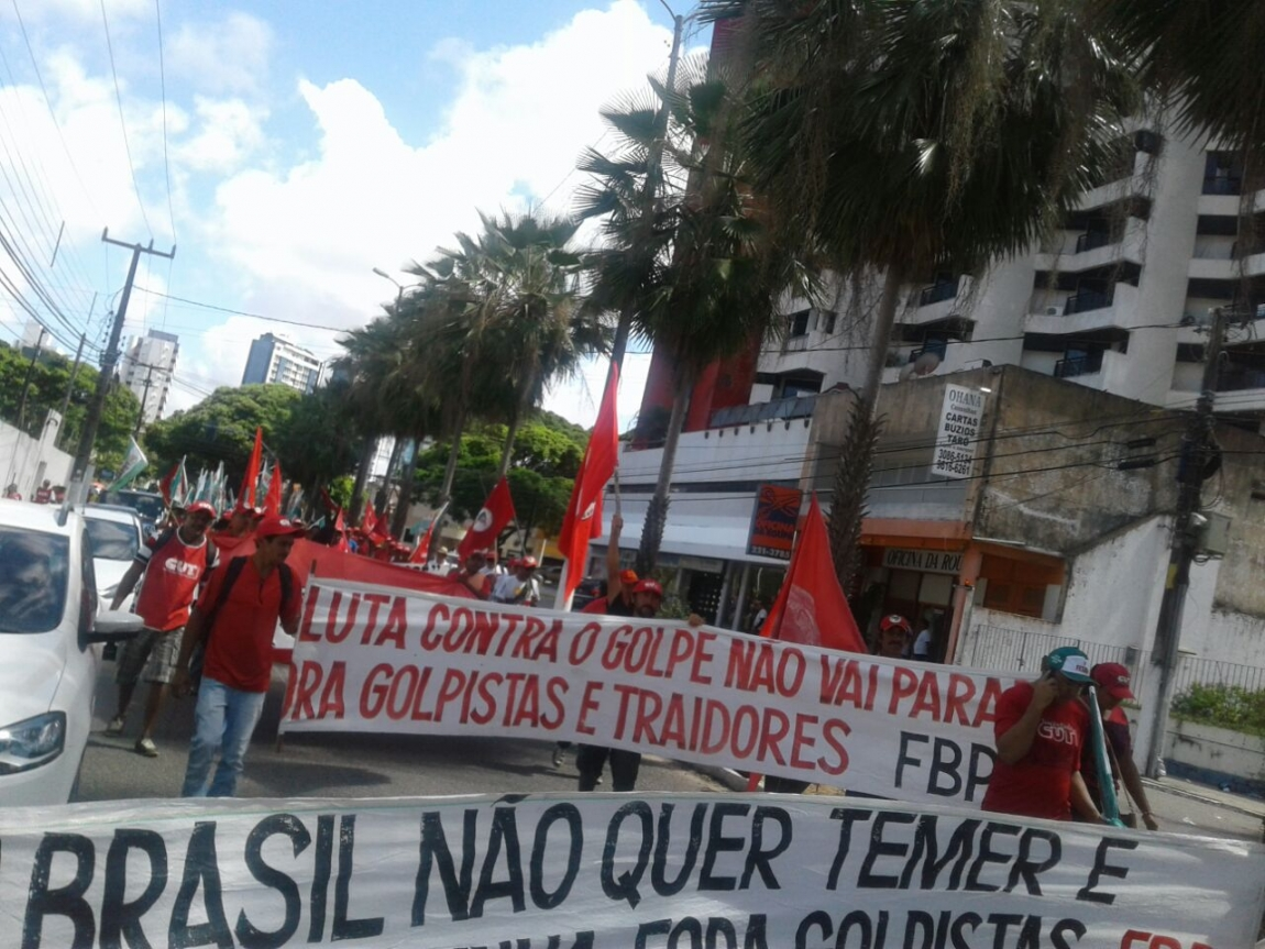 Imagem de RN: Em protesto contra governo golpista, trabalhadores saem às ruas