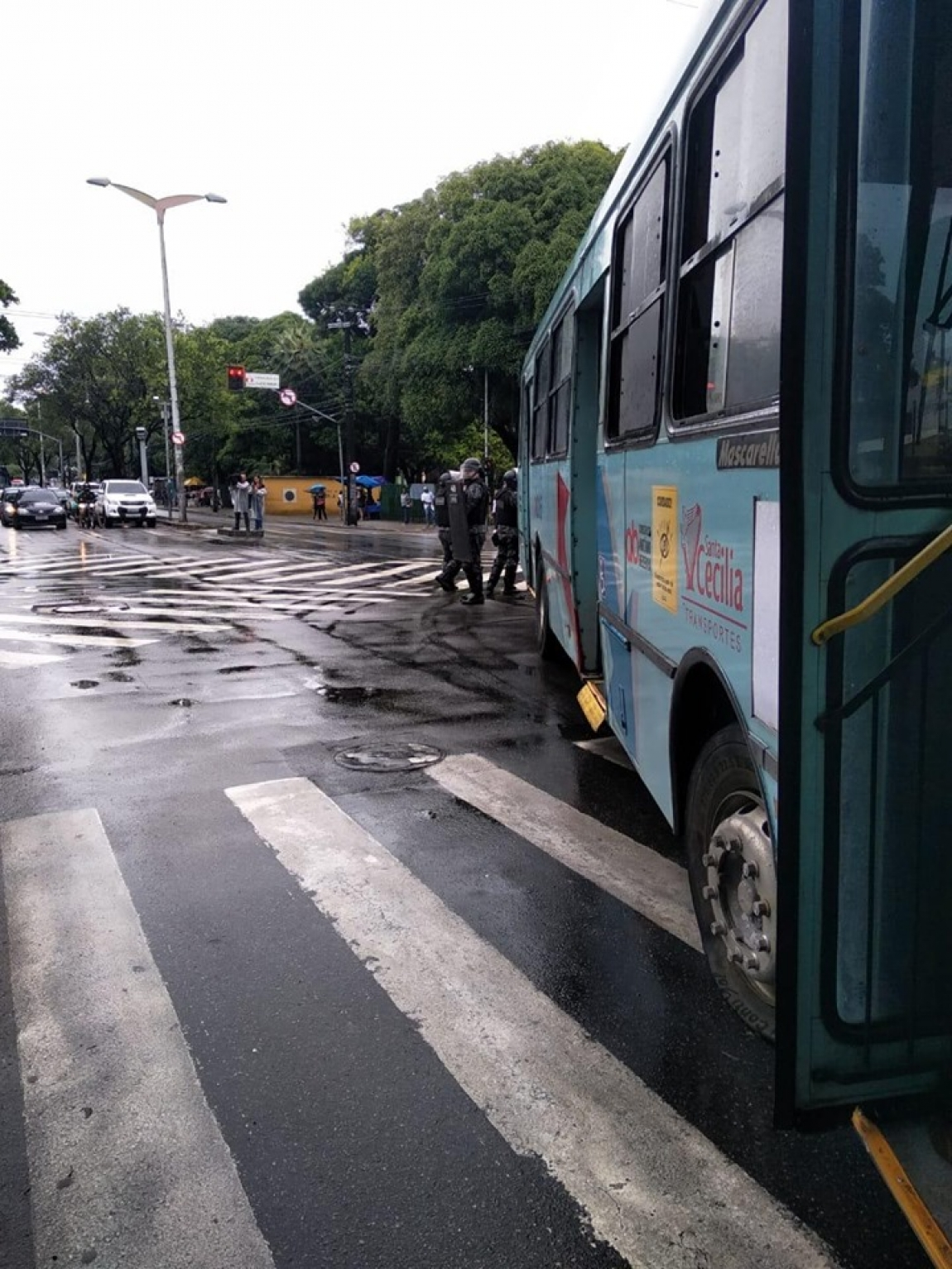 Imagem de #GreveGeral Rodoviários em Fortaleza param no centro da capital cearense