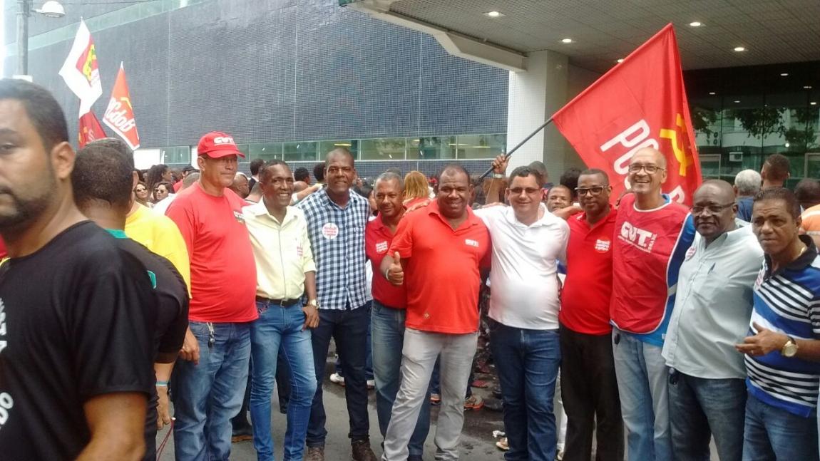 Imagem de Bahia: Rodoviários prestigiam visita da presidenta Dilma a Salvador