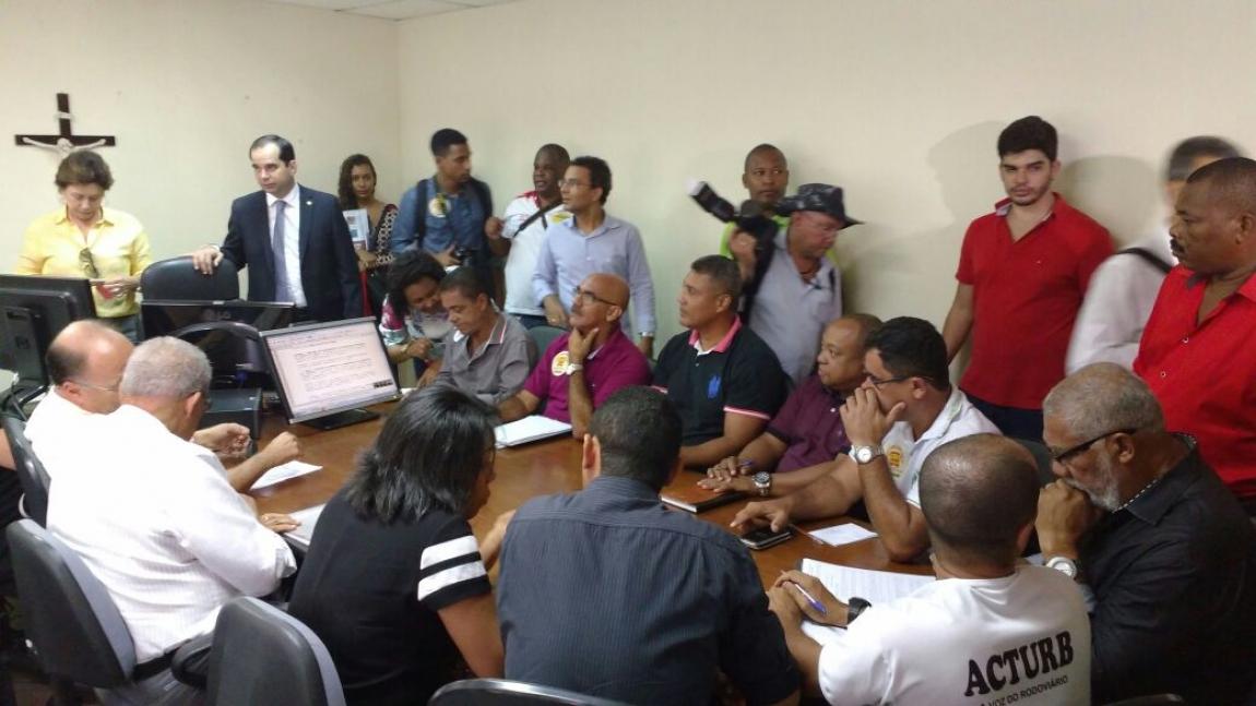Imagem de Salvador: Rodoviários se reúnem com Secretário de Mobilidade para retomar negociação da Campanha Salarial