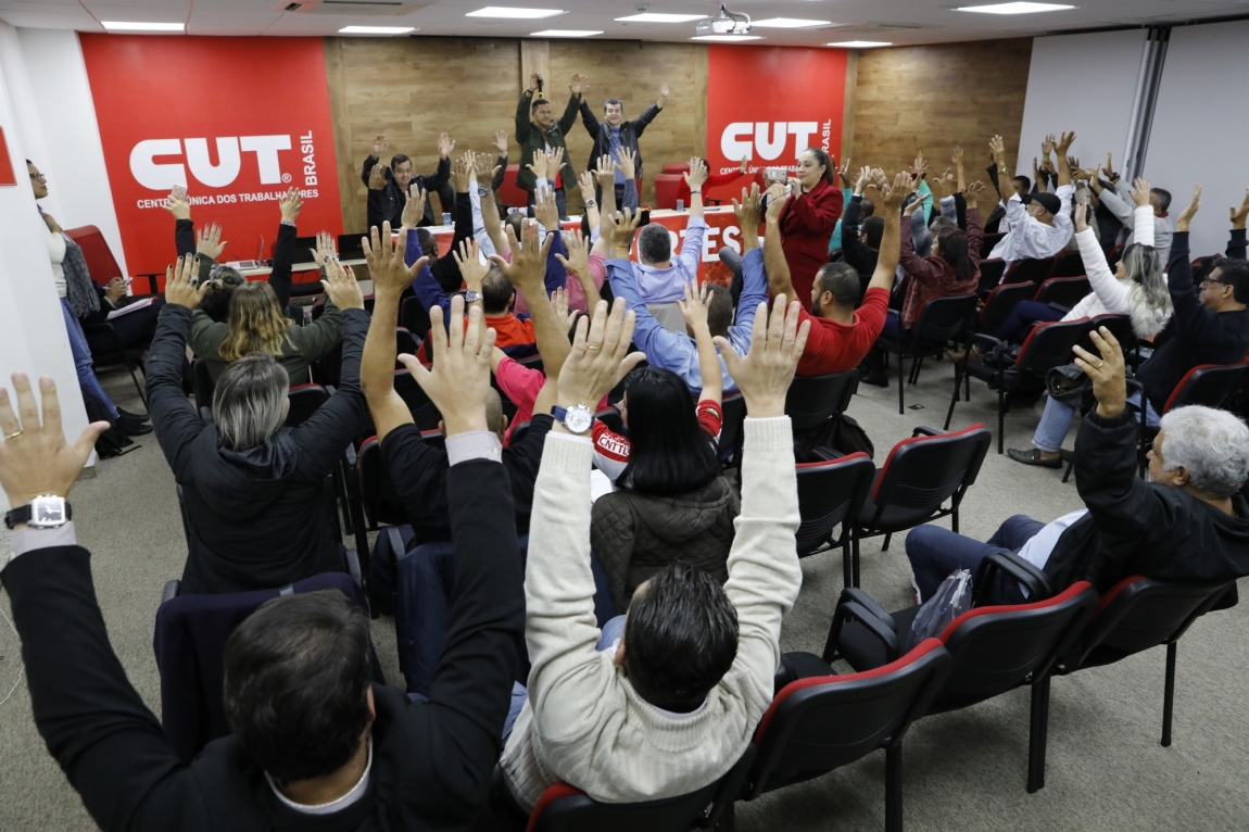 Imagem de Trabalhadores dos transportes aprovam paralisação no dia do Basta em todo País