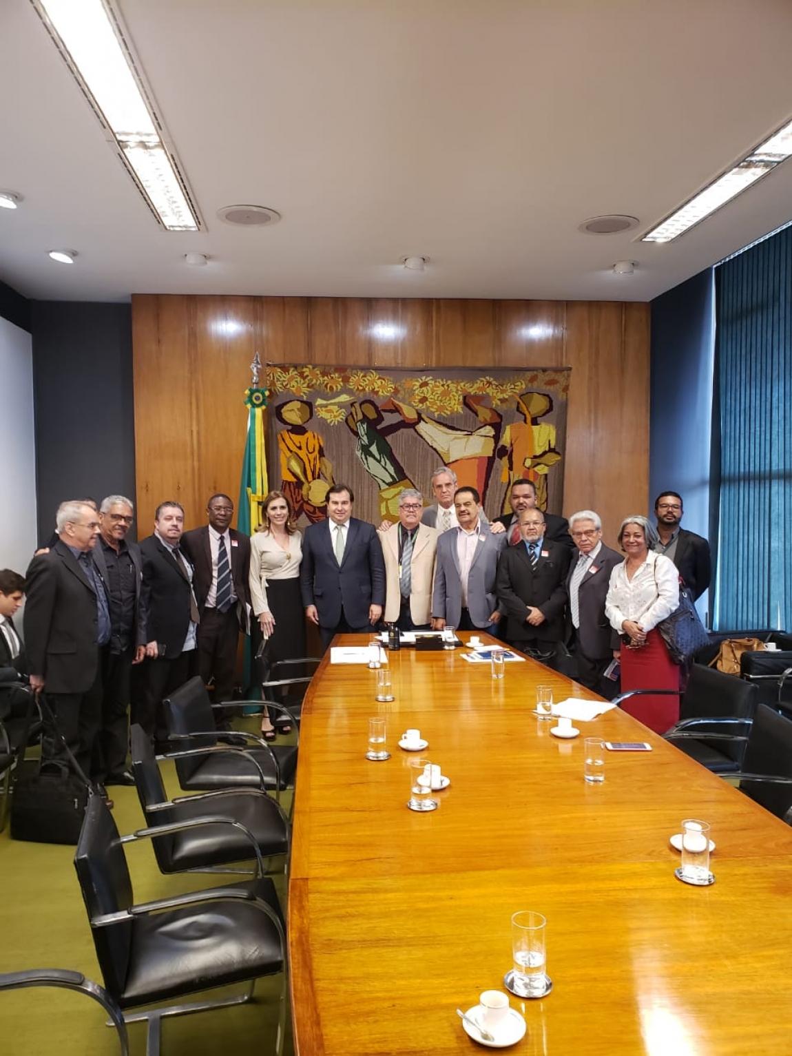 Imagem de Brasília: Portuários debatem futuro do Portus em audiência com presidente da Câmara Rodrigo Maia