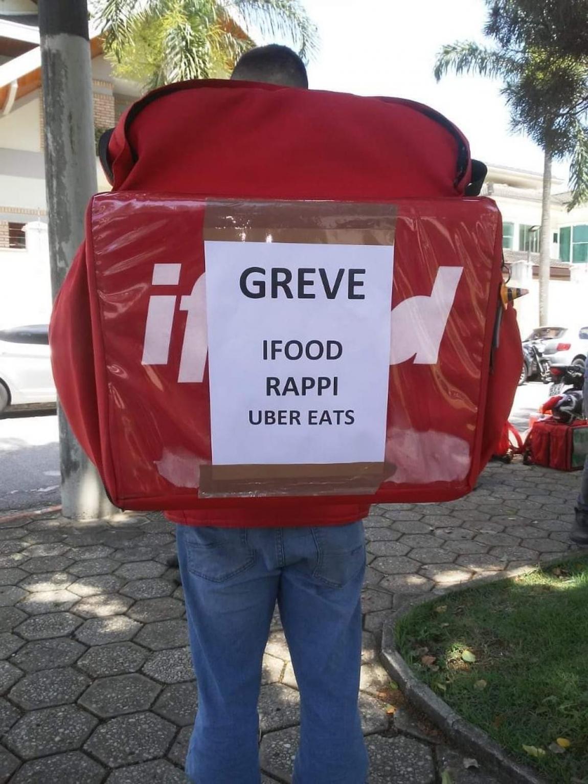 Imagem de Quem está pesquisando o trabalho de entregadores no Brasil