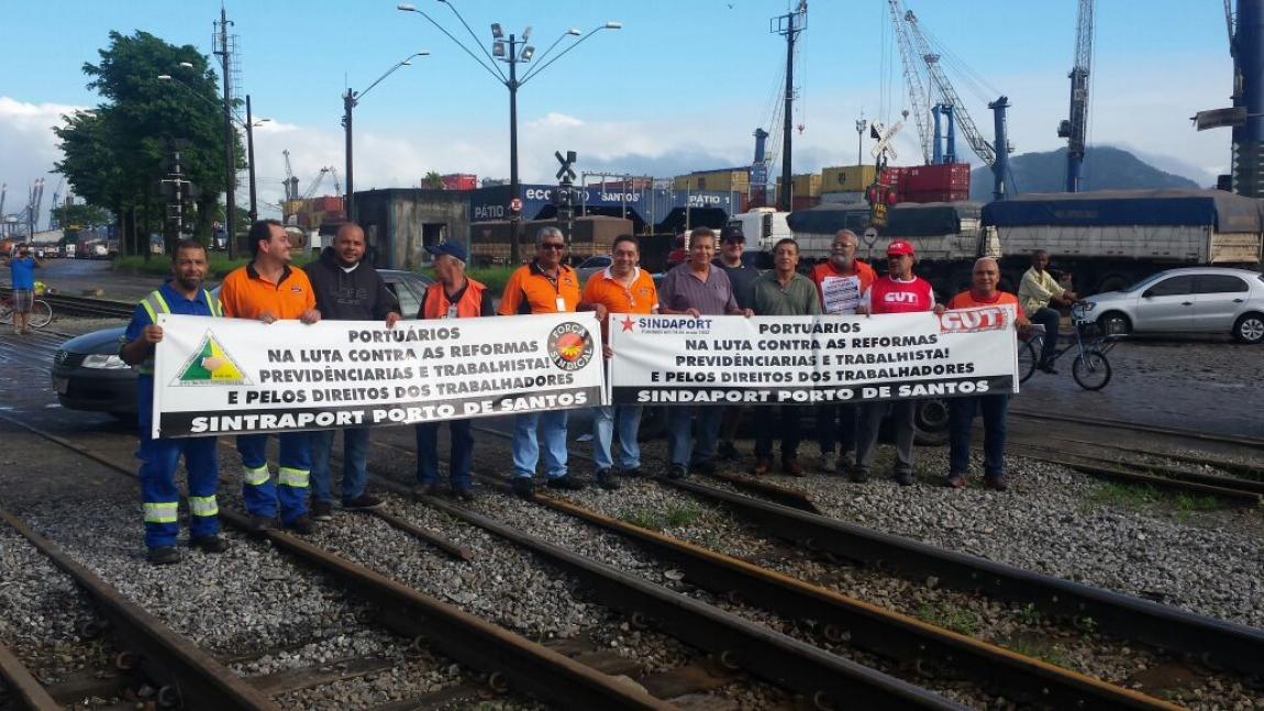 Imagem de #QueroMeAposentar: Portuários de Santos protestam no maior porto do País