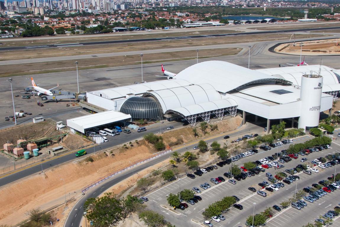 Imagem de Fortaleza: Sindicato Nacional dos Aeroviários evita demissões na LATAM após terceirização de setor