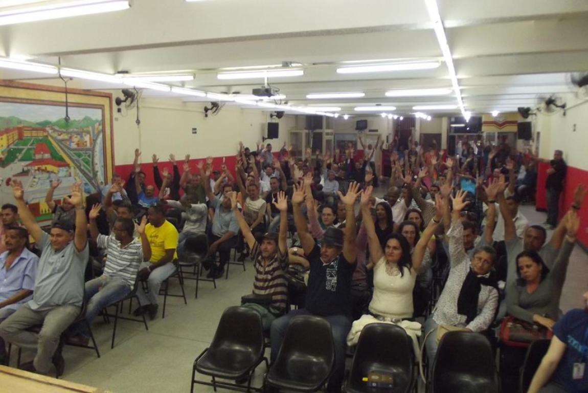 Imagem de Mauá: Após promessa de pagamento aos companheiros demitidos, rodoviários encerram greve