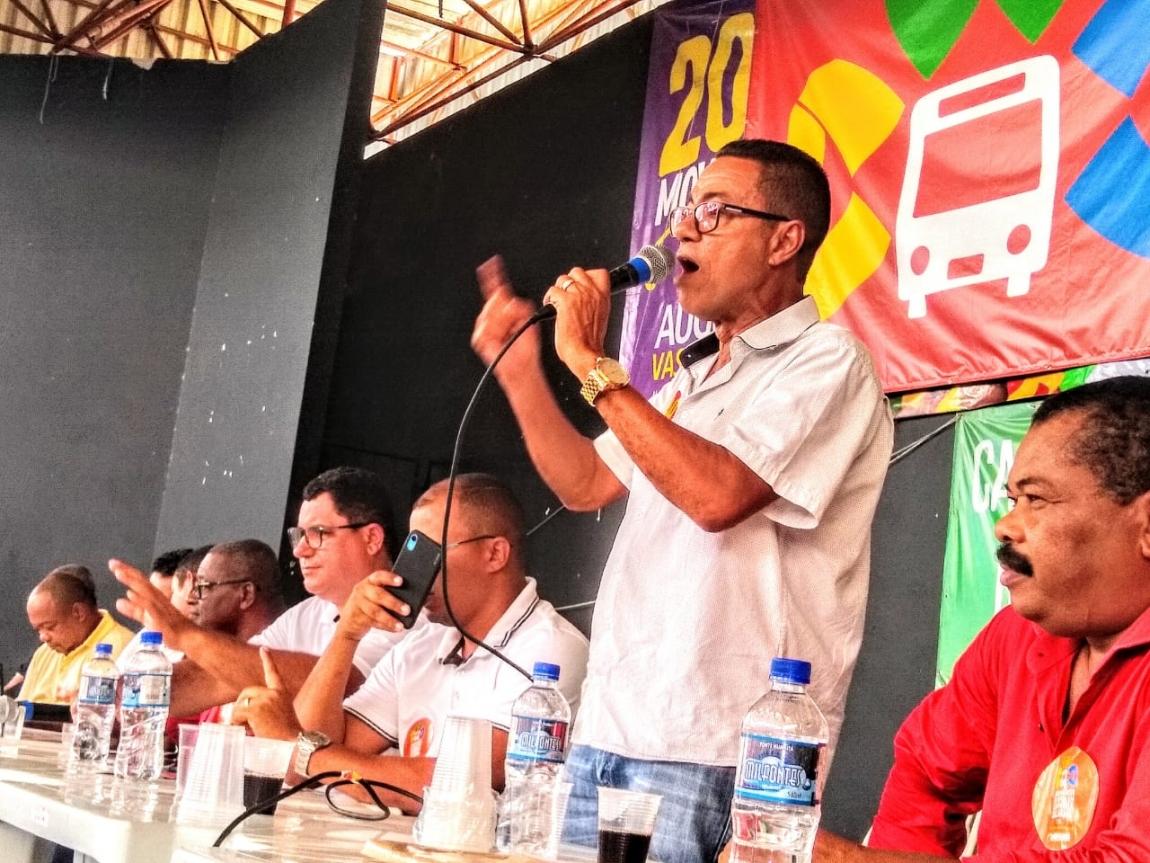 Imagem de Bahia: Rodoviários do setor de fretamento Bahia aprovam estado de greve