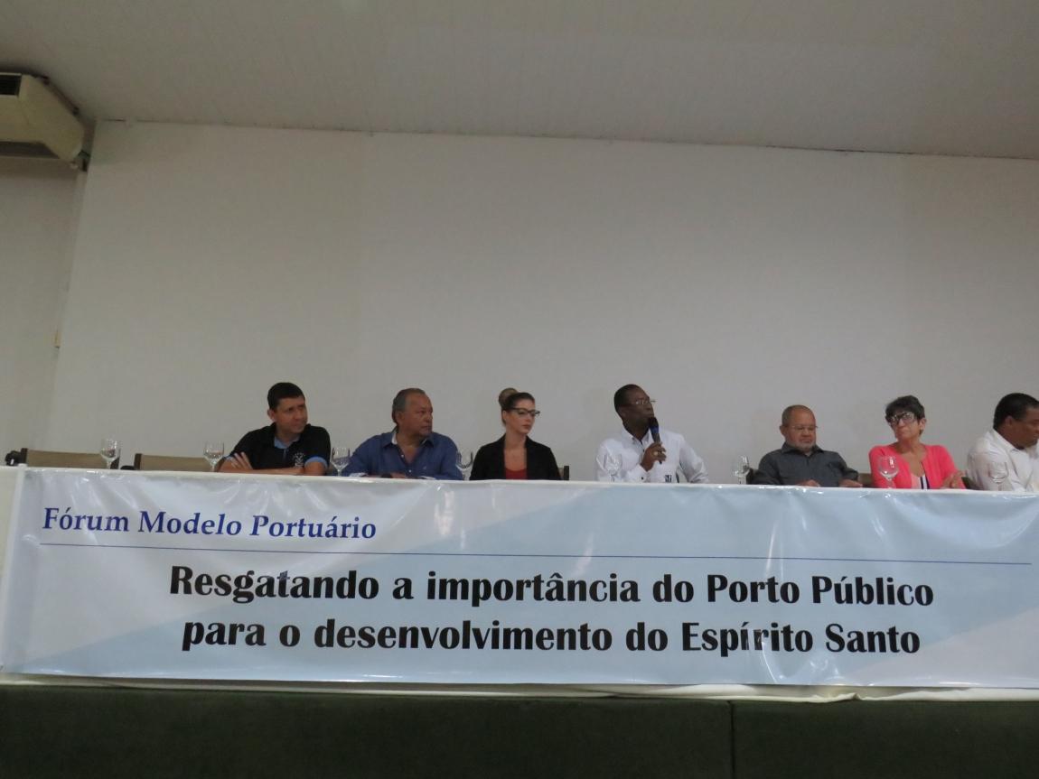 Imagem de Espírito Santo: Portuários capixabas debatem defesa do Porto Público e estratégias contra ameaça de privatização em Fórum