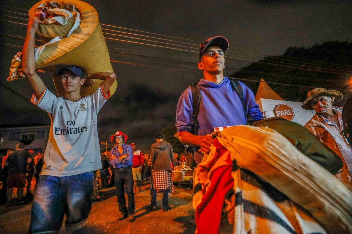 Imagem de #NósSomosLula Acampamento pela liberdade de Lula torna-se símbolo da resistência