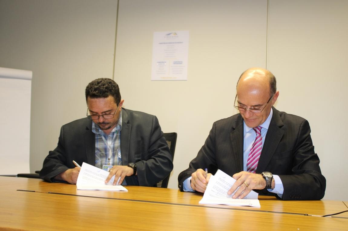 Imagem de Viracopos: Aeroportuários assinam Acordo Coletivo de Trabalho 2014