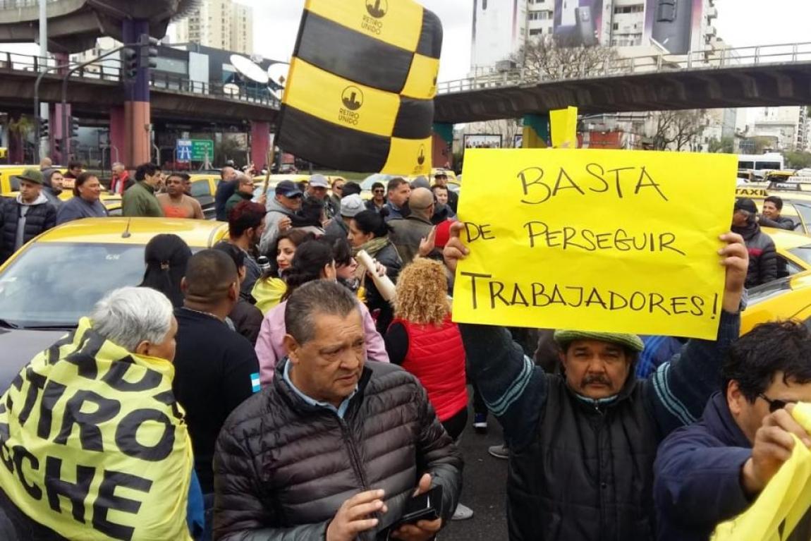 Imagem de Buenos Aires: Taxistas fazem protestos contra Uber e Cabify