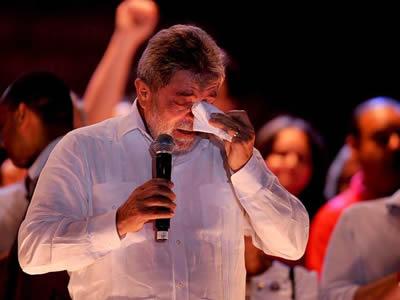Imagem de Lula se emociona no 1º de Maio Latino-americano da CUT no sábado